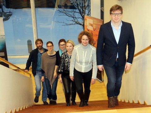 PRESENTERTE PROGRAMMET: Fra høyre Ole Øvretveit, Trude Borch, Victoria Braathen, Gøril Johansen, Katrin Bluhm og Chris Emblow presenterte på en pressekonferansen onsdag programmet for Arctic Frontiers som arrangeres for 10. gang i Tromsø med 1400 deltakere.