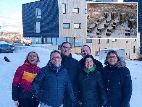 FORNØYD: Denne gjengen var strålende fornøyd med at det nå skal bygges 250 nye studentboliger i Dramsvegen. Fra venstre: Sarah Reibo Dahl (studentsamskipnaden), Morten Skandfer (venstre), Erlend Svardal Bøe (Høyre), Bjørn-Gunnar Jørgensen (Frp), Irene Dahl (venstre) og Helga Marie Bjerke (Krf).