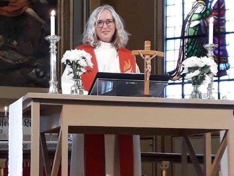 GUDSTJENESTE FOR HELE NORGE: Jill Sæterbø Kjølaas (bilde) og Kjell Riise skal lede gudstjenesten på palmesøndag som skal sendes på NRK.