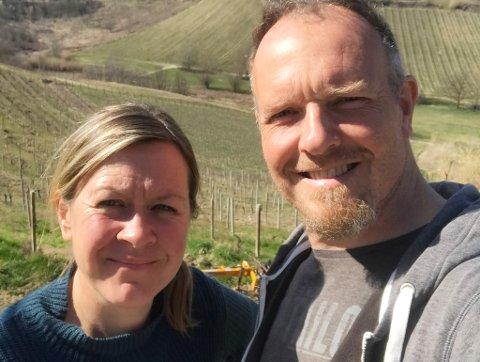FÅR HJELP: Tromsøparet Trine Knudsen og Endre Solem driver vingård i Italia.