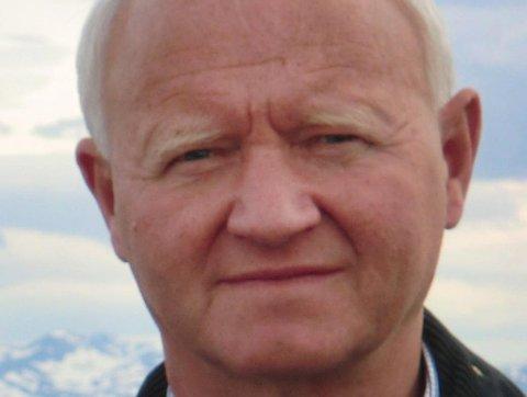 SOLGTE: Hans Kristian Hustad er arving til tomta som har væt i familiens eie i rundt 100 år.