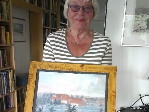 GAVE: Grethe Øren med maleriet som Mjøsmuseet har fått.
