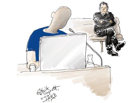 FORKLARTE SEG: Den tiltalte 45-åringen brukte store deler av tirsdagen i Gjøvik tingrett på å forklare seg om familielivet og hva som skjedde da sønnen ble utsatt for dødelig vold i familiens hjem på Kapp i oktober.