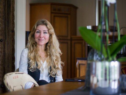 Hege Corneliussen Fiske i Ås selger livsverket: Et hus til 15 millioner kroner hun har tegnet selv.