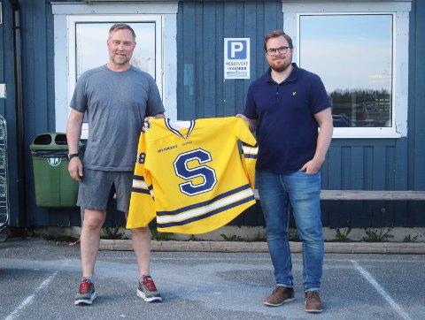 SOLID FORSTERKNING: Ski-trener Uffe Berglund (t.v.) kunne presentere Stian Høygård Aasen (t.h.) som ny Ski-spiller torsdag kveld.