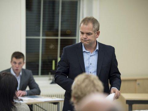 Ut mot Høiseth: Erik A. Sørensen i Lardal Tverrpolitiske Liste går hardt ut ordfører Rune Høiseth i den overraskende rådmannsstriden som nå har dukket opp i Larvik. arkivfoto
