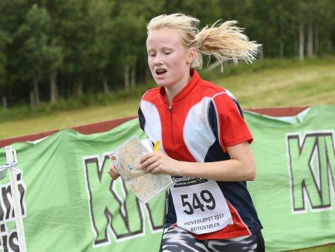 MEGET STERKT: Eline Schjerven fra Lardal var i topp på både sprint og langt. På skogsdistansen kom søster Mina Schjerven så vidt før til mål.