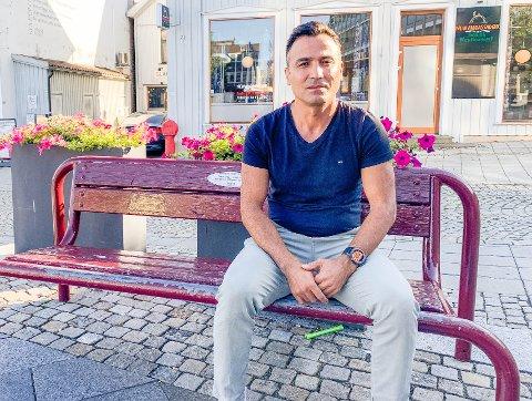TØFF TID: To år med økonomisk konflikt tar på. Nå mener Agder lagmannsrett at Nazir Sereroy skal ha nesten 500.000 kroner i erstatning fra firmaet til Tjølling-mannen Rolf Aage Jensen.