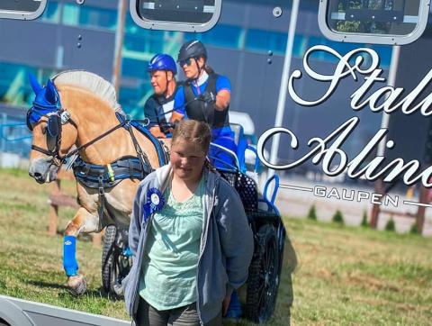 TIL NORDISK: Alice Elisabeth Rausand Kvalø fra Gaupen er tatt ut til Nordisk mesterskap i hestekjøring.