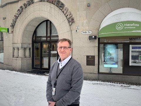 KRASS KRITIKK: Finanstilsynet sier i sin rapport at Hønefoss Sparebank pyntet på SIFO-tallene i et stort antall av sakene til sine kunder i personmarkedet i 2018. – Vi endret kredittrutinene fra 1. juni, sier banksjef Per-Arne Hanssen.