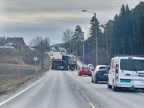 SPERRET: E16 ved Steinssletta.