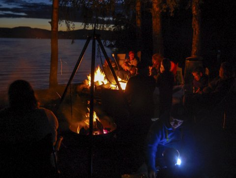 Natt i naturen ble lansert under friluftslivets år i 2015, og har blitt en tradisjon. Natt til 3. september sov folk ute over hele landet, blant annet her i Prestsand ved Hurdalssjøen. Foto: Piotr chudy