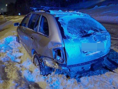 KOLLIDERTE: Denne bilen var innblandet i en trafikkulykke. Til tross for at politiet mistenkte mannen de fant i passasjersetet for å ha kjørt, kunne de ikke bevise det.