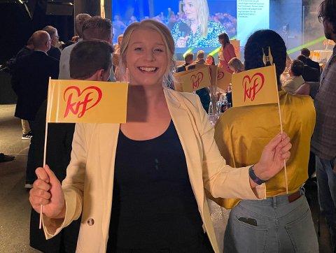 FORSIKTIG OPTIMIST: Selv om de første prognosene viser at Ida Lindtveit Røse ikke får plass på Stortinget, har hun troa på at tallene vil stige utover kvelden