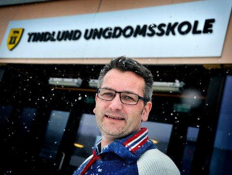 OVERRASKET: Rektor ved Tindlund ungdomsskole Jo Skjølsvold ble overrasket over nyheten om at Greåker videregående skole kan bli den nye ungdomsskolen.