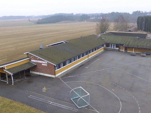 FÅ ELEVER: Kirkefjerdingen skole har ti elever i første klasse dette skoleåret. arkivfoto