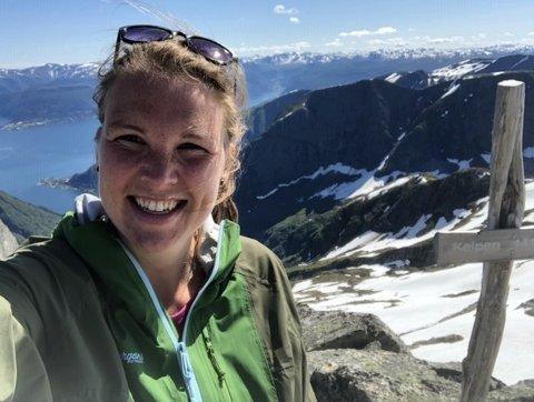 KEIPEN: Heidi Eilifsen på toppen av Keipen (1.417 moh)