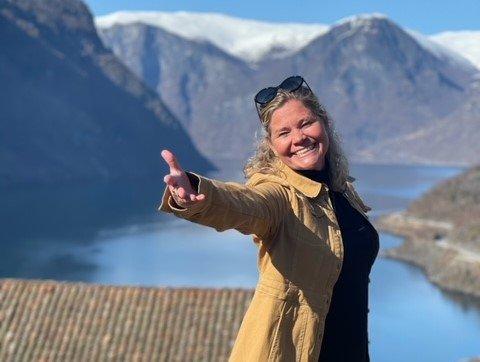KJEMPENØGD: – Det har rett og slett vore eit eventyr, seier Jannet Aksnes. Ho hadde nær 3000 gjester innom pupup-restauranten på Otternes i sommar.