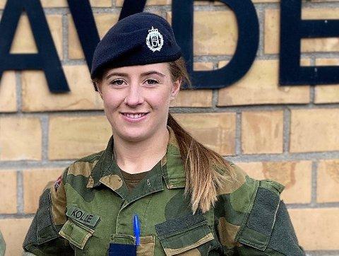 ANGRER IKKE: Hun måtte inn til førstegangstjeneste, Helene Kolle - men nå trives hun godt.