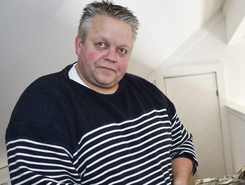 Morten Løvdal var førstemann til å kommentere saken om navnevalg. Han går for Tvedestrand vgs og idrettspark, og synes å ha et stort flertall med seg i den oppfatningen.