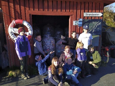 Arbeidsom gjeng: Barna i speidergruppa på Sandøya har virkelig gjort en solid innsats for å samle inn penger til den store speideraksjonen. Foto: 1. Tvedestrand speidergruppe