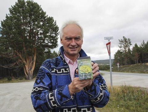NY BOK: Helge Christie er klar med ny bok med mange tips til den som vil utvikle seg som leder. Foto: Inge Morten Smedås
