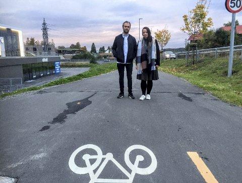 Frykter for sykkelsikkerhet:  Leder og nestleder i FAU ved Solberg skole. Therese Talmo-Rønn og Åsmund Steen Dalbye.
