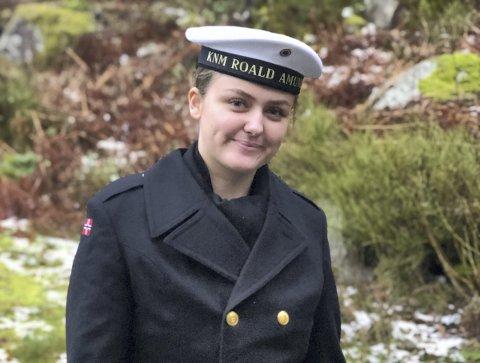 Permuniform: Sunniva Myklebust-Hansen med permuniform. ALLE FOTO: privat
