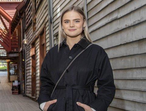 Linnea Løtvedt har vore populær på Tik Tok der ho har forsøkt å spreie «kroppspositivisme».