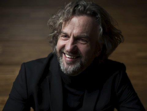 Terje Nohr er for de fleste kjent som artist og musiker. Nå er han også blitt radiovert. Mandag ledet han sin første sending på NRK.