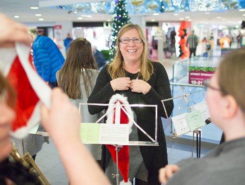 Leder: Reidun Holmøy, statsmeteorolog og musiker, gleder seg til å spille for Arnabuerne 1. juledag. Det bli hennes tiende år.