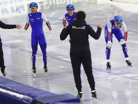 Det norske skøytelandslaget har nettopp gjort ferdig den internasjonale sesongen, men det var langt færre som så det avsluttende enkeltdistanse-VM enn tilfellet var i 2019. Foto: NTB