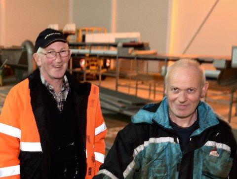 Kjell og Tore Klausen kan glede seg over at nybygget endelig står ferdig, og har akkurat tatt fatt på vinterfisket på sin egen båt, Skarholmen.