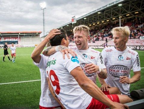 Spennende vindu: Sommerens overgangsvindu åpner i midten av juli. Her fra FFKs jubelkamp mot Nybergsund søndag. (Foto: Geir A. Carlsson)