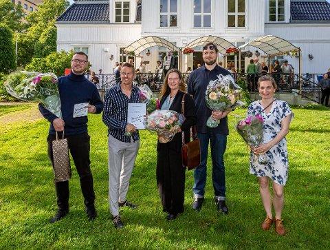 Fra venstre vinnerne av Arnstein Arnebergprisen: Kennet Hald og Jarl Ture Vormdal. Stipendvinnere: Laila Kongevold, Jens Stegger Ledaal og Linda Spaun Hauglie.