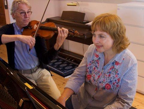 Radarparet Tore Hovland (fiolin) og Liv Inger Sandhaug Sundt (piano) bringer klassiske perler på en snor, på gratis lunsjkonsert 17. mai!