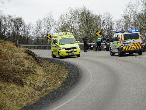 To motorsykler var involvert i en trafikkulykke på E6 ved Råna lørdag. En person er hentet med ambulansehelikopter. Den andre er sendt til sykehus med ambulanse. Begge var ved bevissthet, opplyser politiet.