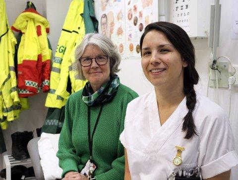 Løser utfordring: Enhetsleder for legetjenester i Narvik kommune, Astrid Schøning og fagutviklingssykepleier Anna Fiske ved Narvik interkommunale legevakt er klar til å starte et pilotprosjekt der lege, pasient og sykepleiere kommuniserer gjennom programvare på et nettbrett.