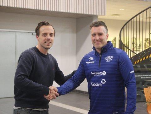 VENNSKAPSKLUBBER: Kalle Björkman, markedssjef i Elverum Håndball, her sammen med Ronny Grenberg, leder i Flisa Allianseidrettslag.