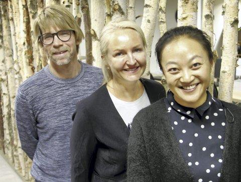INVITERER: De inviterer til seminar om hvordan vi kan få mer ut av skogressursene, Lars Gillund (t.v.), Kjersti Wangen og Heidi Herredsvela i Klosser Innovasjon.FOTO: SIGMUND FOSSEN