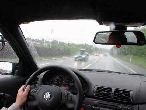 Test: Eldre bilførere må inntil videre leve med en førerkortregime knapt noen politiker forsvarer.Ill.foto