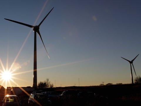 Krevende: Folk flest er positive til vindkraft, men vil gjerne slippe å se vindmøllene ...Foto: SCanpix