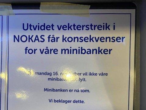TOMT: Dette bildet er tatt av minibanken til Sparebank 1 på Gran lørdag ettermiddag.