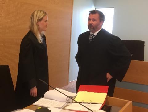 I retten: Politiadvokat Marte Engesli Lysaker ba om tre års fengsel for tiltalte, derav to år betinget. Forsvareren Sverre Hetland fikk medhold i at hans klient slipper å sone noe av straffen.