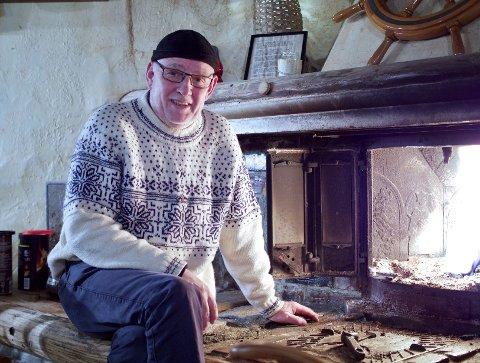 MINNERIK: John Ståle Egge (65) fortel at jula på 60-talet var ei tid for omsorg, samvær og kjærleik.