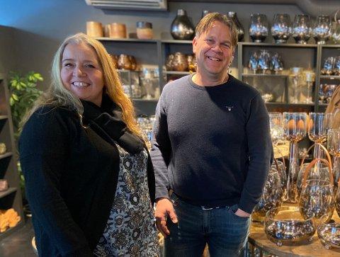 KLARE FOR GJENÅPNING: Hilde og Bernt Stokke er glade for at de uhyggelige friukene snart er omme.