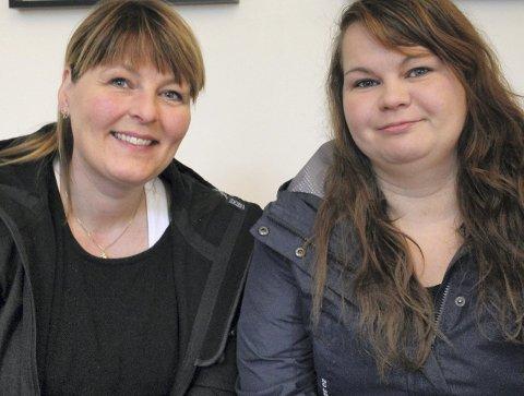 Hjelper: fv. Hege Kristin Johansen og Ann Mari Riesto.
