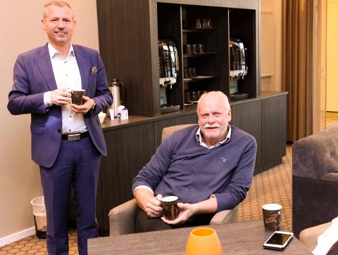 PÅ TOPP: Jann Arne Løvdahl kan ta seg råd til å slappe litt av i stolen. Vefsn-ordføreren topper både inntekts- og formuelista i skattelistene for 2016. Alstahaug-ordfører Bård Anders Langø har også en respektabel inntekt.