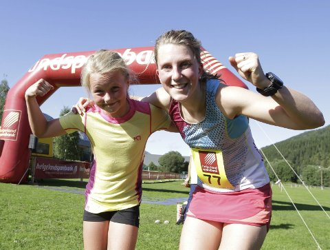 De to beste på 10 km. Elise Øvereng 11 år og Stine Haustreis. Stine var best med 46.59, men Elise kom i mål på den fantastiske tiden 49.41. Foto: Per Vikan