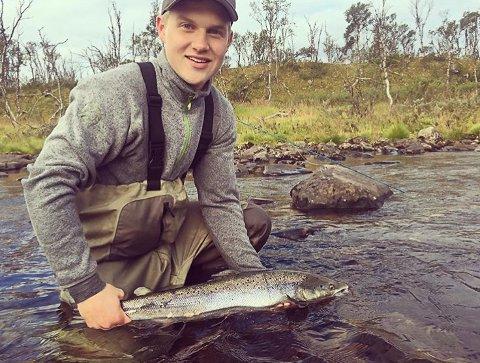MORS ORD: Moren til drapsofferet Håvard Pedersen (18) holdt et gripende innlegg i Øst-Finnmark tingrett tirsdag.